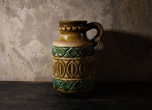 Pichet ancien en céramique