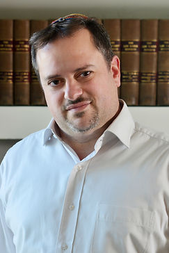 Hagay Hochhauzer, Adv. Deals mainly in insurance and tort law
