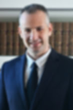 """עו""""ד ירון חנין, שותף. עוסק בתביעות דיבה ולשון הרע, צווי איסור פרסום, זכויות יוצרים, דיני אינטרנט וליטיגציה מסחרית"""
