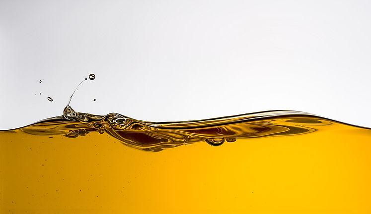 OIL_SELECTS-0816_Macro Oil.jpg