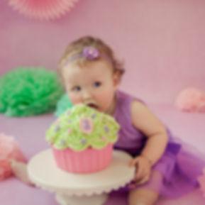 taart happen,taarthappen,taarteten,taart eten,taart eten op de foto,verjaadag versiering,verjaardagsversiering,groene taart,groen en roze taart,roze taart,