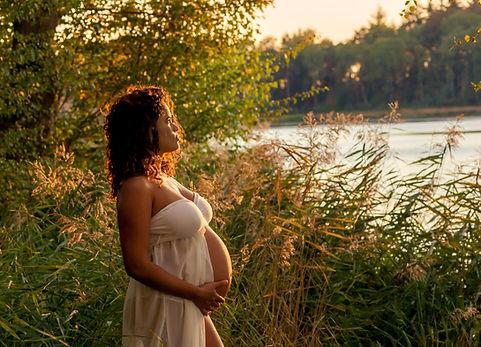 zwangerschap-fotografie,bolle-buiken-fotografie,in-verwachting,zwangerschap-fotograaf-venlo,zwangerschap-fotograaf-limburg,zwangerschap-fotograaf-maasbree,zwangerschap-voorbereiding,geboorte-voorbereiding,9-maanden,9-maanden-fotografie,zwarte-water-venlo,fotograaf-venlo,fotograaf-maasbree,zwangerschap-kleding,zwangerschap-jurk,gratis-gebruik-zwangerschap-jurk,bollebruiken-fotograaf,