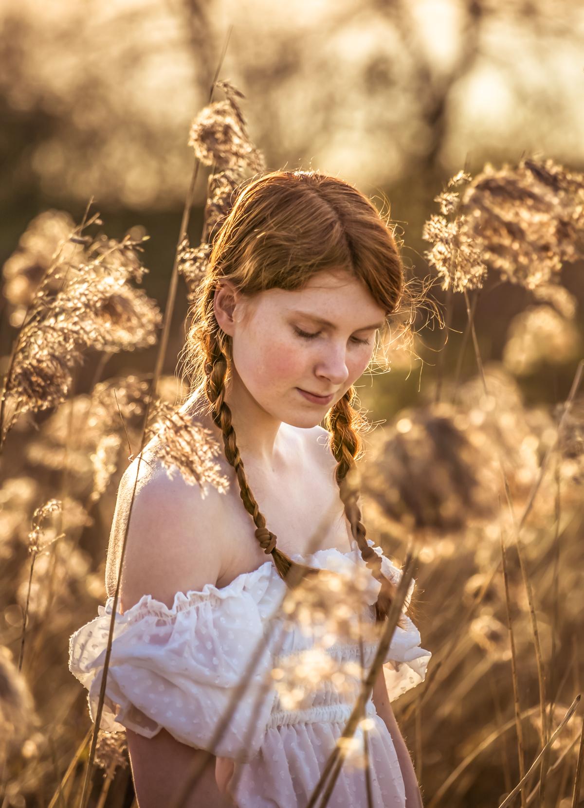 speciaal_licht#mooie_foto#mooi_model#rode_haren#fotograaf_maasbree#marion_peeten_fotografie#vrouweli