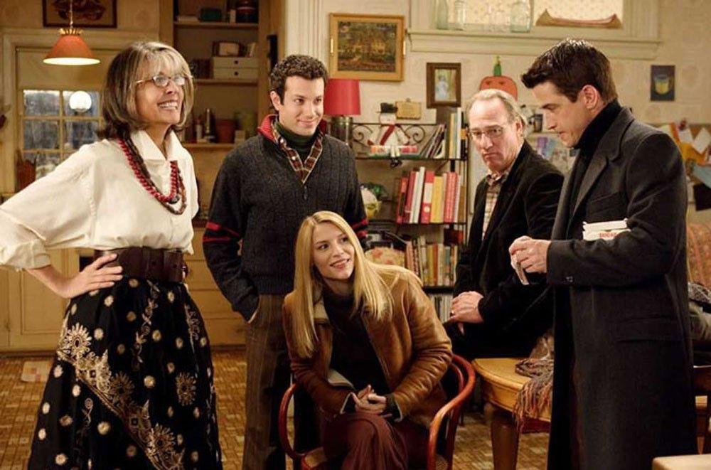 THE-FAMILY3.jpg