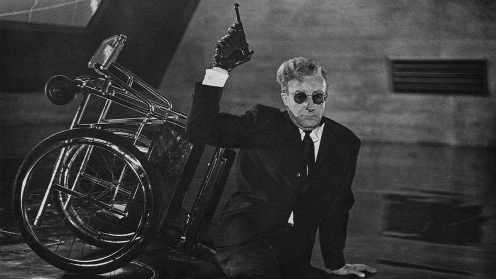 Dr.-Stangelove-Peter-Sellers-as-Dr.-Stra