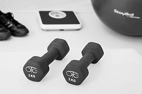 physiotherapy-weight-training-dumbbell-e