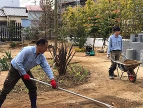 祈りを込めて庭仕事(^^)
