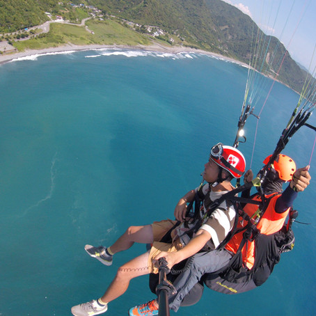 旅遊部落客推薦-許傑 飛行傘心得分享