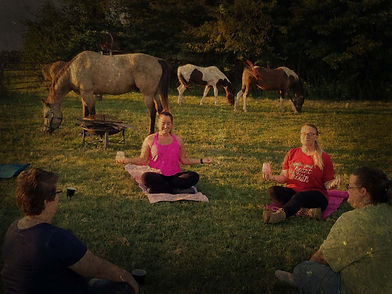 Yoga unmounted with horses at liberty.jp