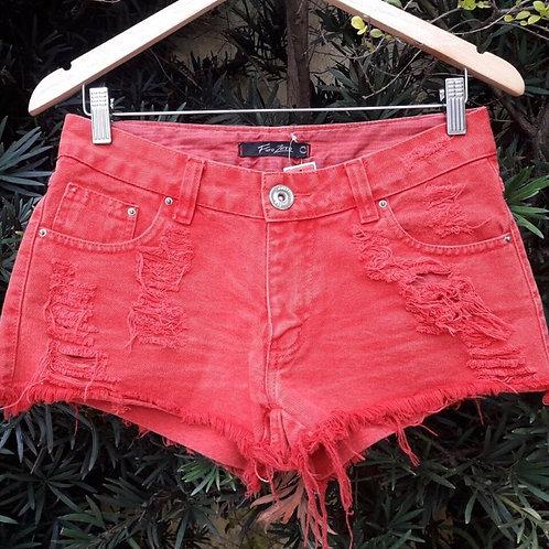 Short jeans destroyed vermelho da Furo Zero