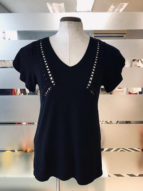 Blusinha preta tricô c/detalhe vazado da Maria Filó