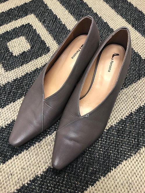 Sapato de couro com salto redondo da La Persona