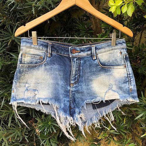 Short jeans curtíssimo c/barra desfiada da Zara Trafaluc