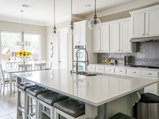 Your Guide to The Two Best Paint Products for Kitchen Cabinets