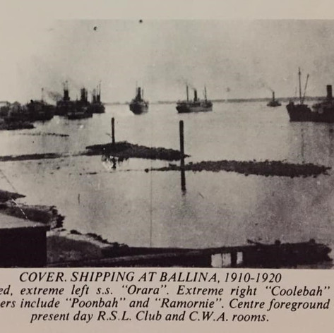 Shipping in Ballina 1910-1920 - centre forground is the site of the current RSL club