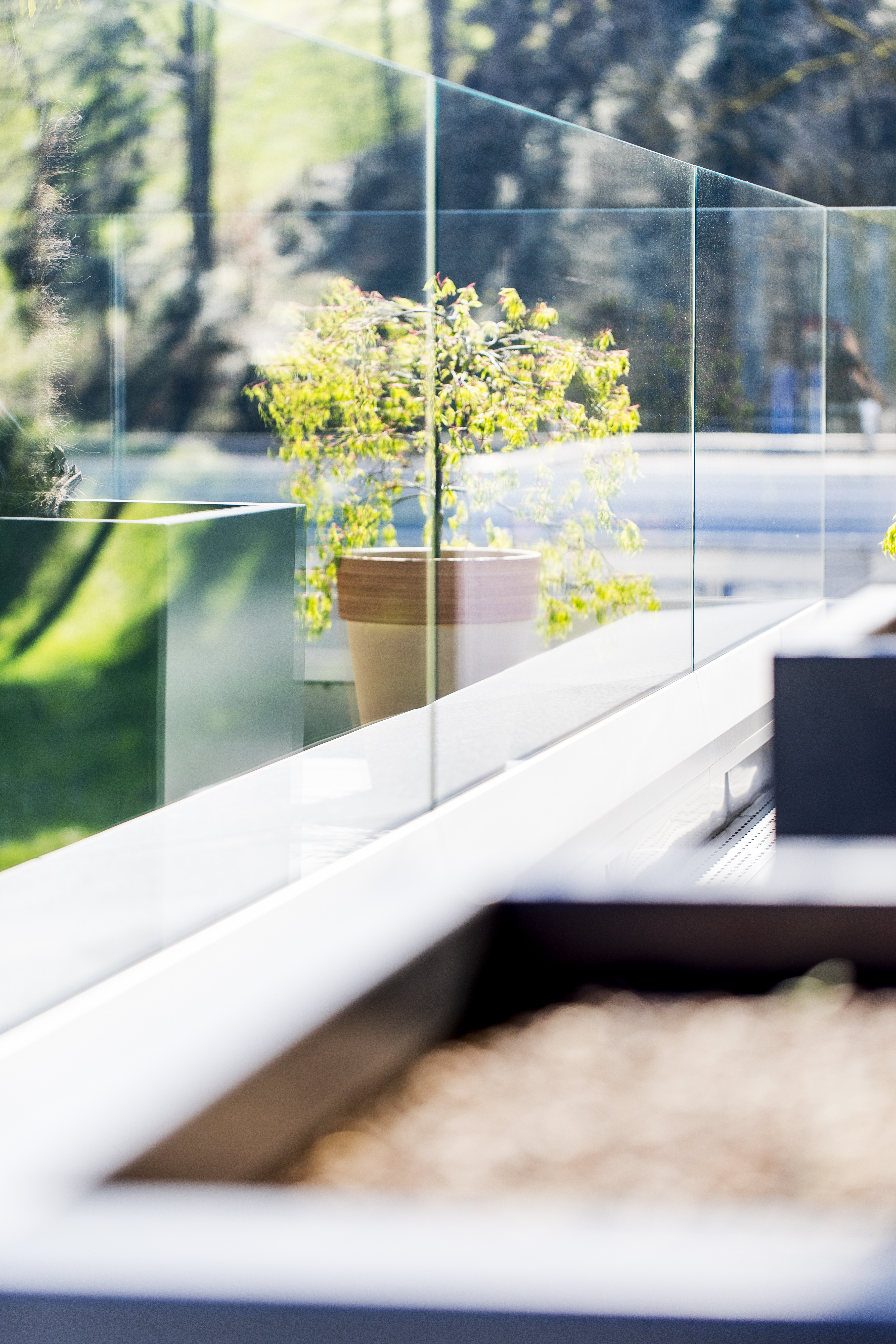 Balkon mit Glasgeländer