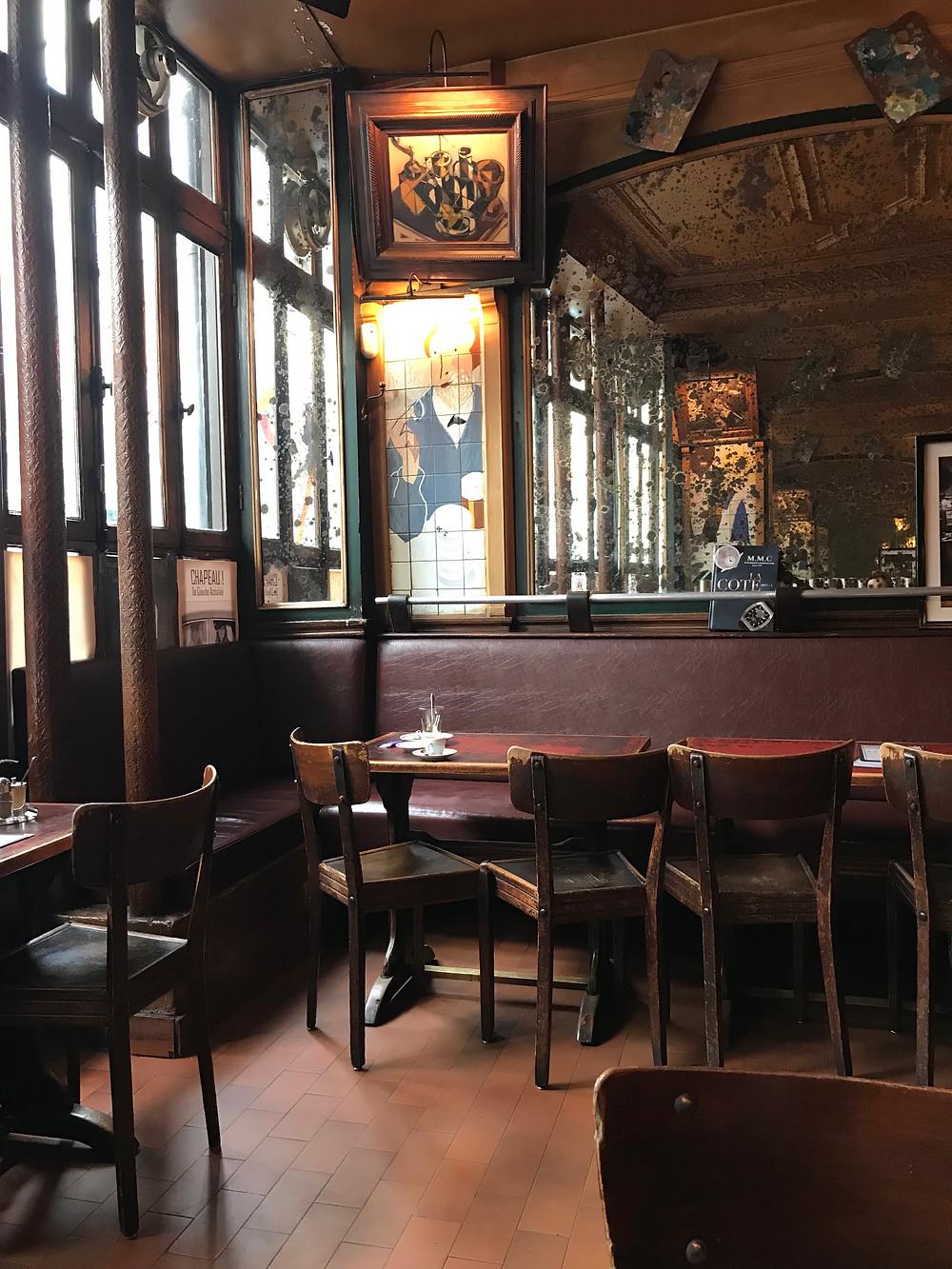 """Café """"La Palette"""" à Paris."""