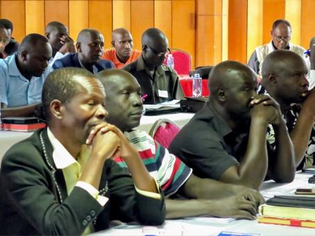 Training van Oost-Afrikaanse voorgangers en leiders in Kampala (Oeganda)