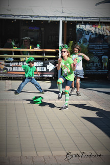 a dancing leprechauns with sign.jpg