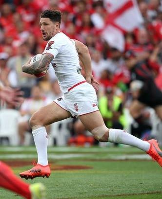 Gareth-Widdop-of-England-makes-a-break-d