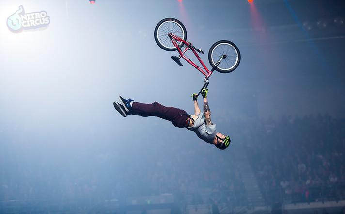 AndyBuckworth_supermanflip-1000.jpg
