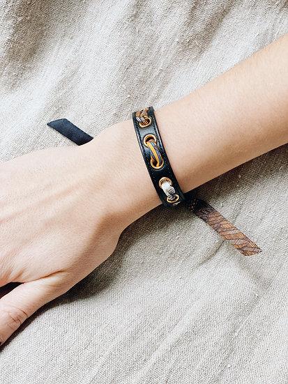 Bracelet noir Cycle, ruban L'Aigle blanc cassé