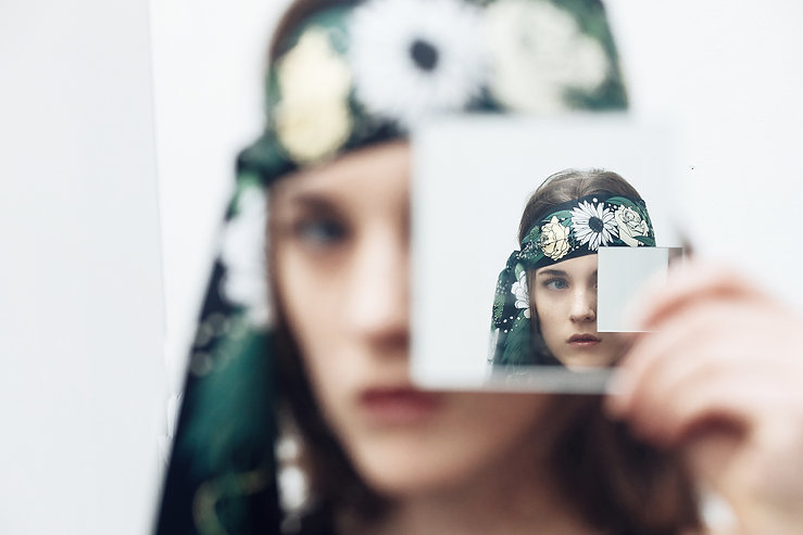 Grand Headband en Soie ANNEE, Innocence par Alexia Nokovitch