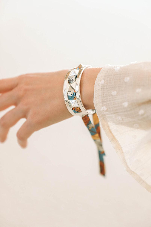 Manchette Clou AN-NEE, tissée d'un ruban en soie made in France