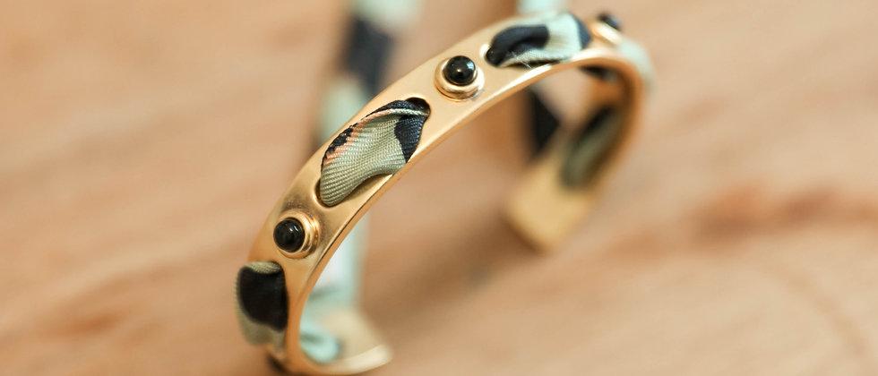 Bracelet Onyx, et ruban Léopard vert sauge