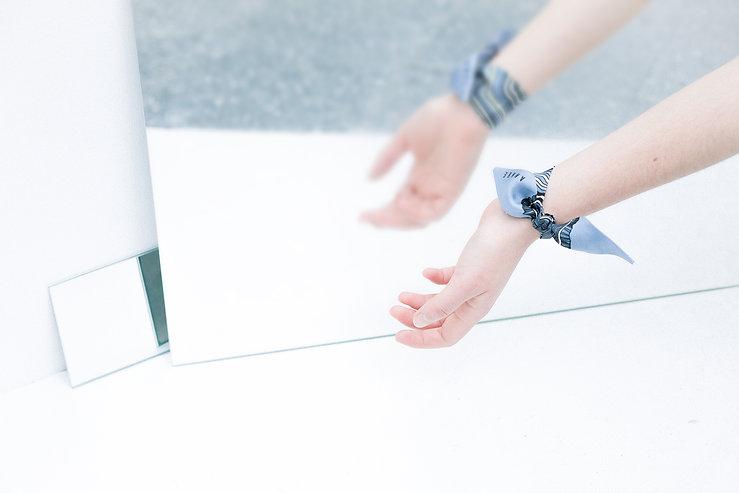 Bracelet en soie ANNEE - Les âges, par Alexia Nokovitch