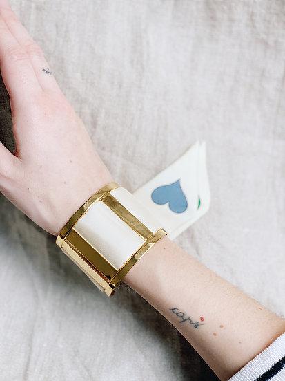 Grande Manchette JMA et bracelet Amour, blanc cassé