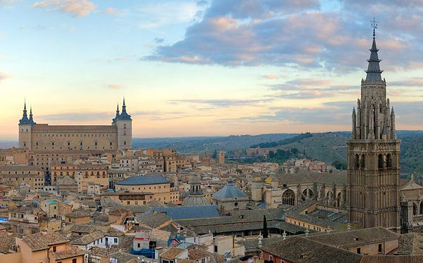 Toledo_Skyline_Panorama_Spain_-_Dec_2006