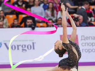 Что дает художественная гимнастика девочке?