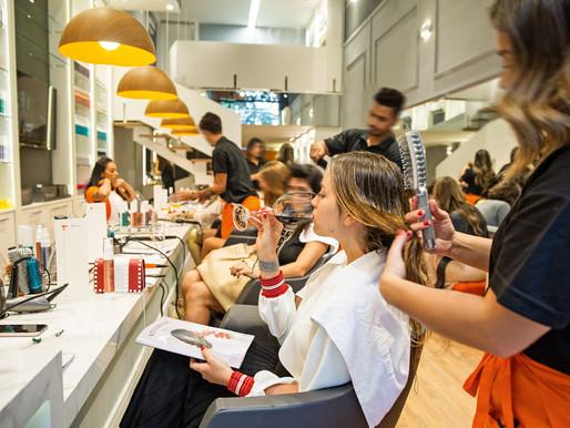 Despesas com cabeleireiroscrescem 44% em seis anos e se igualam aos gastos com frango.