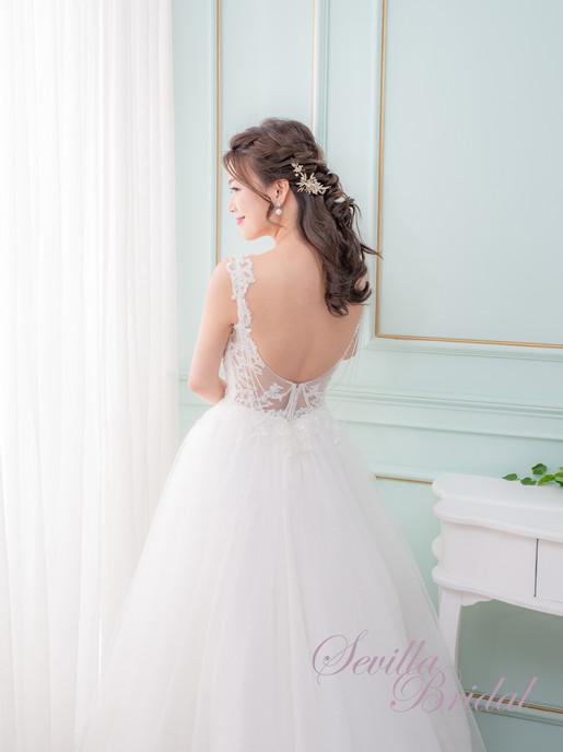 吊帶心型胸水晶串A-Line婚紗3.jpg