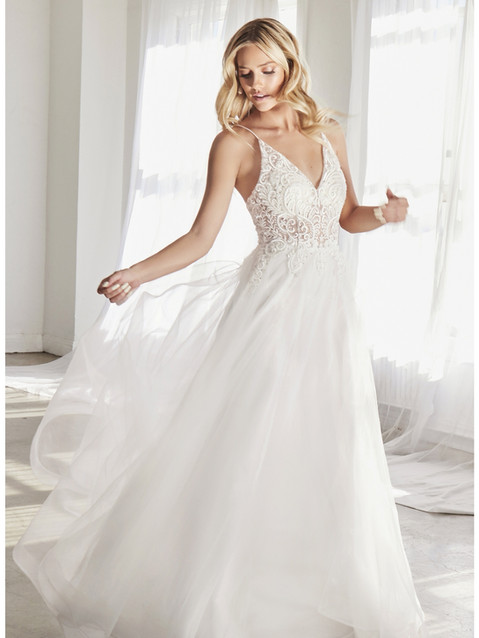 CD Ivory Venice Gown.