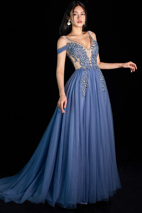 S Cinderella Lace Gown