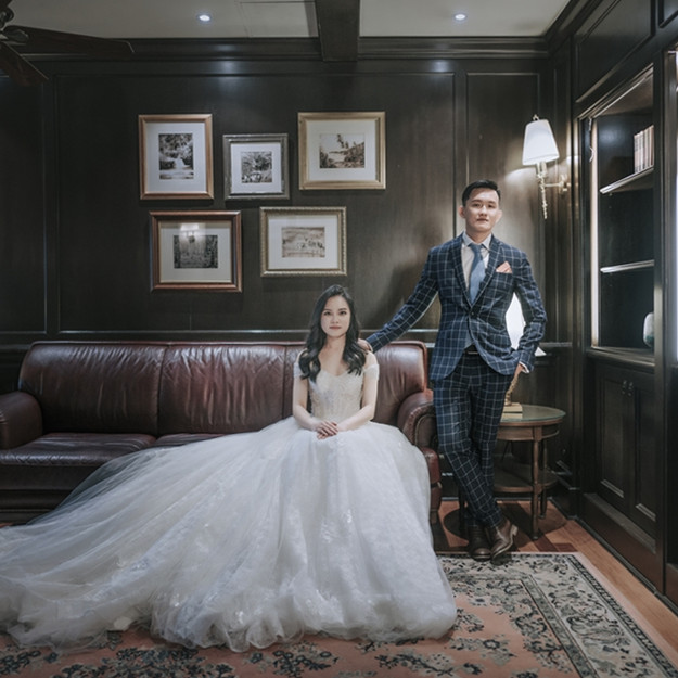 OS Lace Wedding Gown