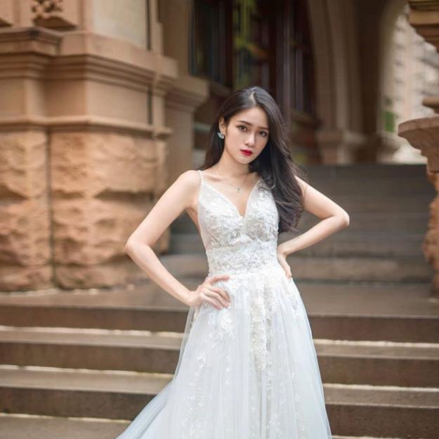 Alyssa Floral Gown