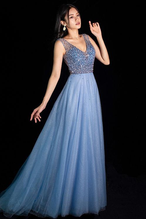 Lakelis Blue Gown
