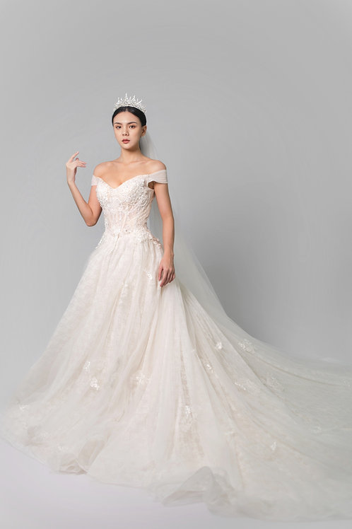 S Chantily Bridal Gown