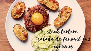 Steak tartare, salade de fenouil aux agrumes et pommes au four