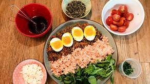 Salade de lentilles, carottes et saumon fumé.