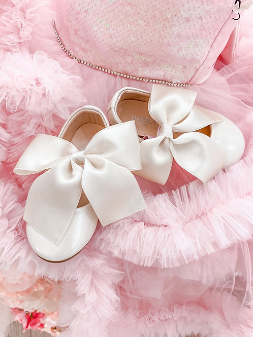 Girls Patent Bow Shoes