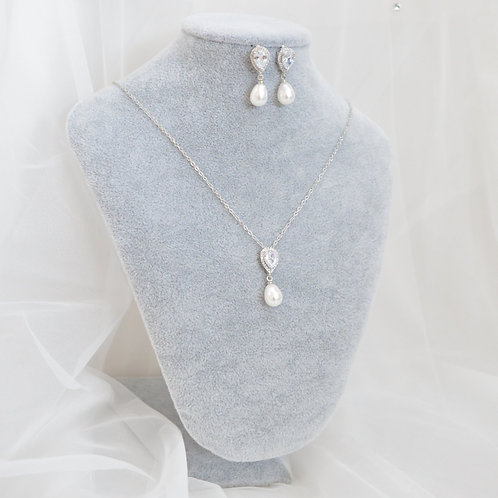 Diaz Necklace & Earrings Set