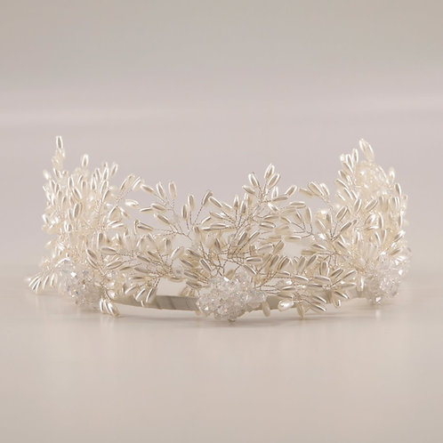 The Milena Pearl Crown Headband - Sienna Likes to Party