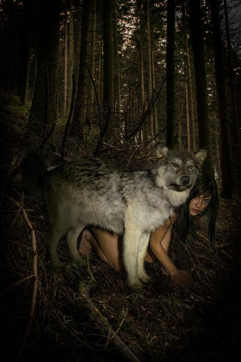 humanA_wolf1.jpg