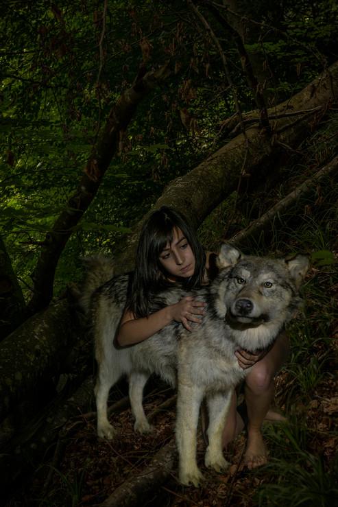humanA_wolf2.jpg