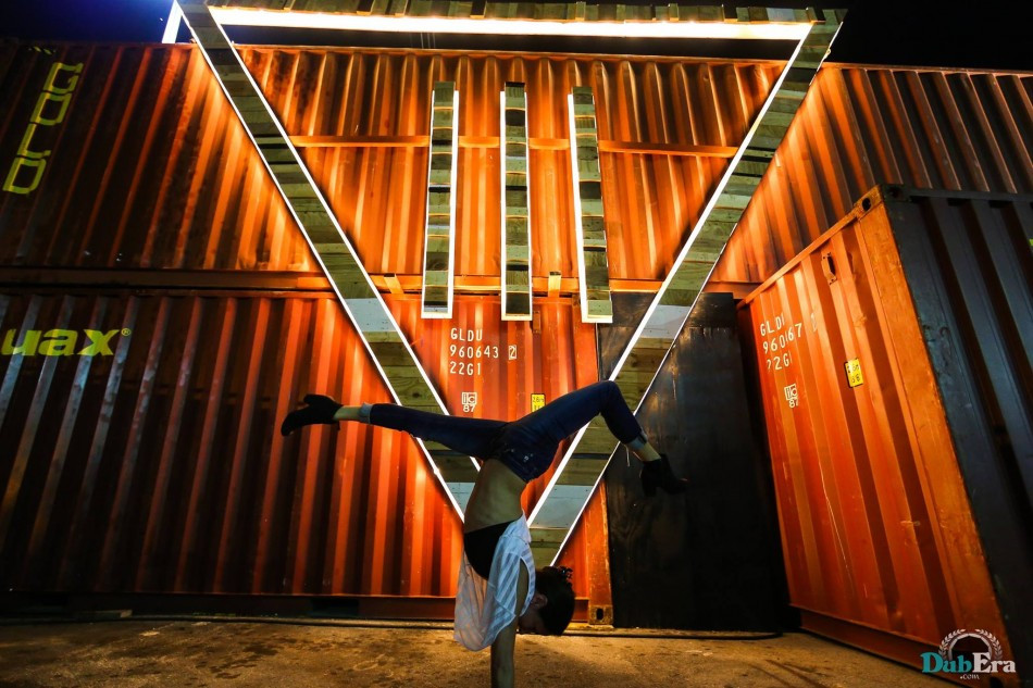iii points hand stand