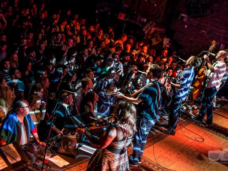 Yonder Mountain String Band & Larry Keel Experience Do Brooklyn Bowl
